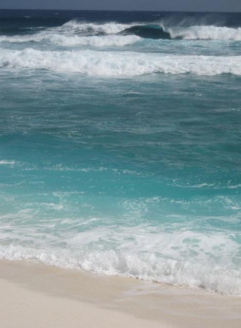 La houle sur la plage du nord